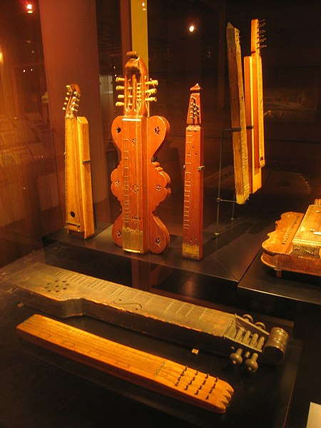 File:Stringed instruments - Musical Instrument Museum, Brussels - IMG 3985.JPG