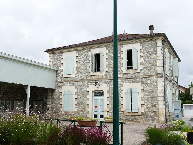The city hall in Téthieu (Landes, Aquitaine, France).