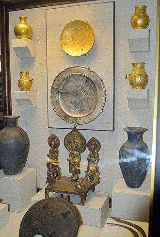 Yenisei Kyrgyz - Yenisei Kyrgyz tableware and altar