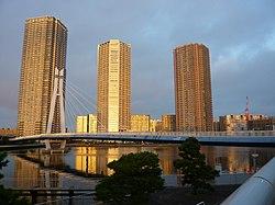 Tatsumi Sakura Bridge.jpg