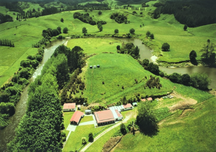 The Marae is located between a horse shoe bend on the Upper Waitara River.