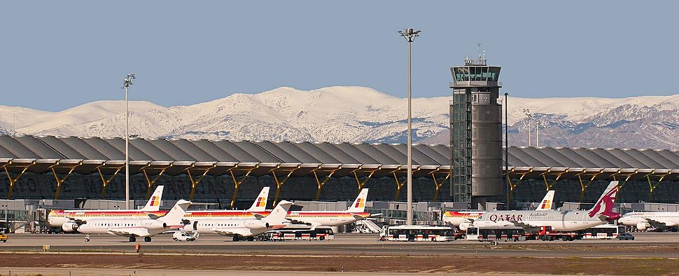 Terminal T-4 Madrid - Barajas Airport (8520153689)b