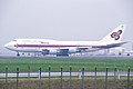 Thai Airways Boeing 747-3D7 (HS-TGE-23722-688) (26042209015).jpg