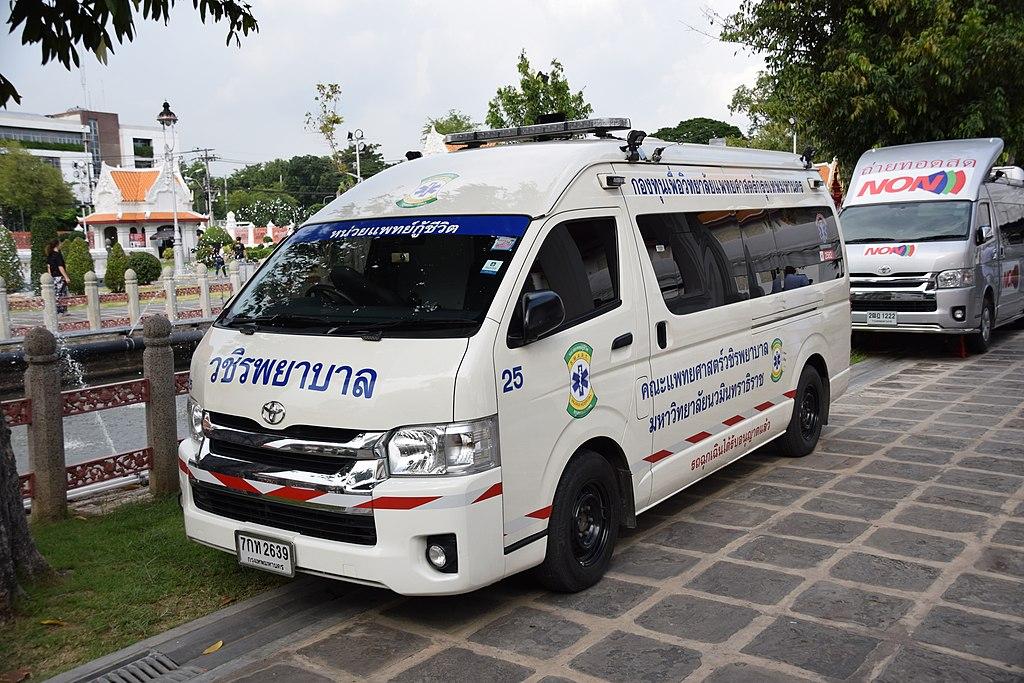 Thailand ambulance 02