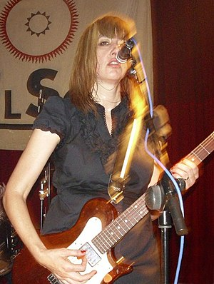 The Muffs - Kim Shattuck playing in Spain, 2009