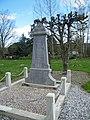 Tilloy-Floriville, Somme, Fr, Hélicourt monument aux morts.jpg