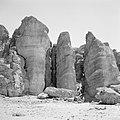 Timna in de Negevwoestijn rotspartij de zuilen van Salomo, Bestanddeelnr 255-3687.jpg