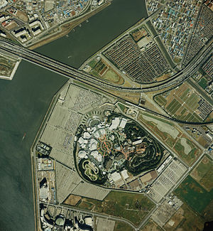 TokyoDisneyland from above 1989.jpg