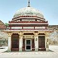 Tomb of Imam Zamim in Qutub complex.jpg