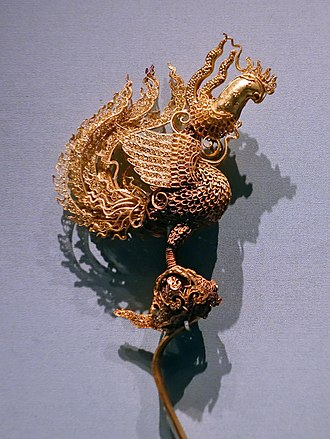 Hairpin - Gold phoenix hairpin found in the Ming dynasty tomb of Prince Chuang of Liang (梁莊王, 1411-1441), 15th century.