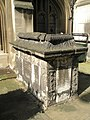 Tomb within the churchyard of St Sepulchre without Newgate - geograph.org.uk - 966820.jpg