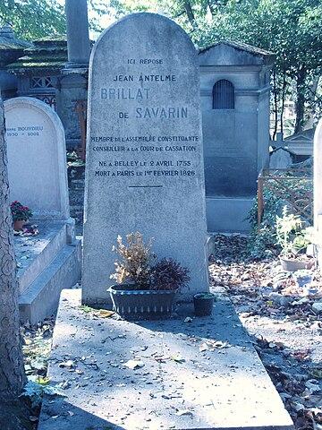 Могила Брийя-Саварена на кладбище Пер-Лашез