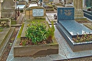 Henri Sauguet - Sauguet's grave next to André Jolivet's