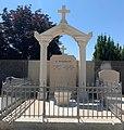 Tombe de Louis Berthet (maire) et de Marie Lacroix (Juste parmi les Nations) à Miribel (Ain, France).jpg