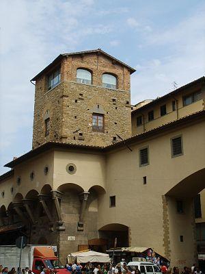 Torre dei Mannelli - Corridoio Vasariano and the Torre dei Mannelli.