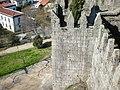 Torres inferiores do Castelo de Guimarães vistas da Torre central 01.jpg