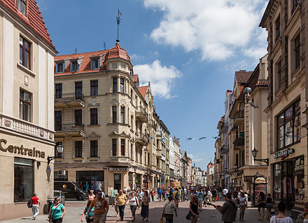 Torun's city centre incorporates a large commercial district Torun ul Szeroka.jpg