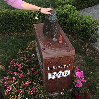 Terry (dog) - Terry/Toto's memorial at the Hollywood Forever Cemetery