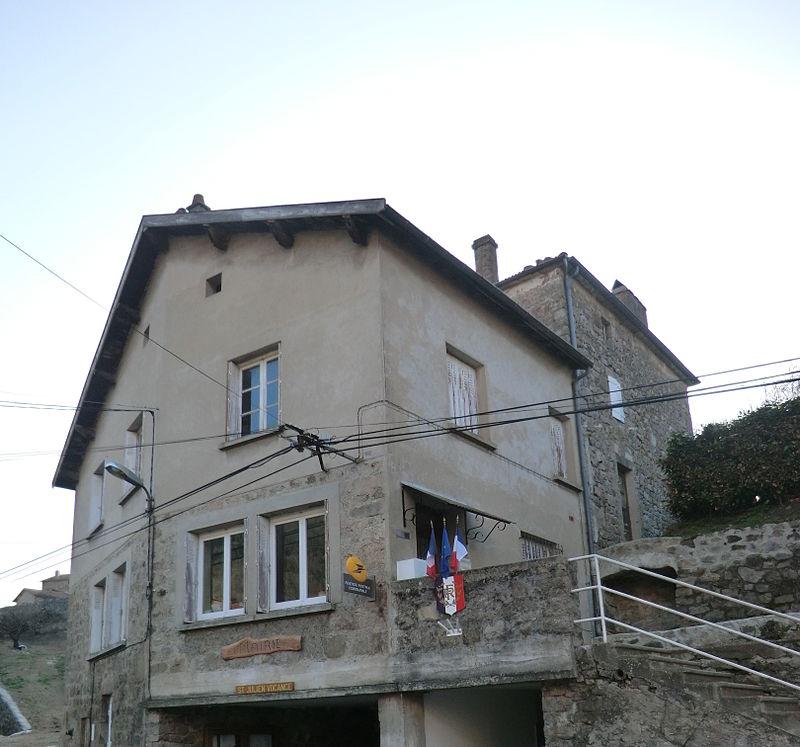 Town hall of Saint-Julien-Vocance.JPG
