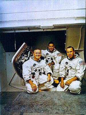 Rapports spéciaux – Les astronautes ont vu des ovnis 300px-Tripulacao_Apollo_8