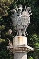 Trophée romain, Piazza del Popolo, Rome, Italie, Ausschnitt.jpg