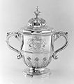 Two-handled cup with cover MET 134563.jpg
