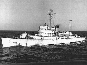 "USS Biscayne - USCGC Dexter (WAGC-18, WAVP-385, WHEC-385) sometime between her commissioning in 1946 and the Coast Guard's 1967 adoption of the ""racing stripe"" markings on its ships."