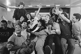 "Debbie Allen - With The Kids from ""Fame"" (1983). Debbie Allen is center, with sunglasses on top of her head."