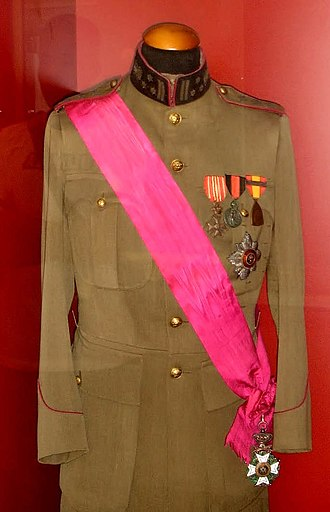 Albert I of Belgium - Uniform with war honours