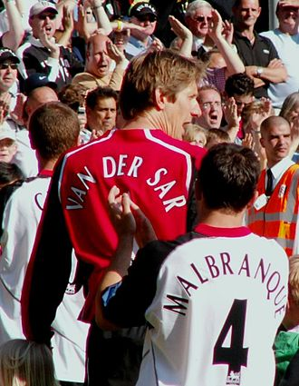 Steed Malbranque - Malbranque behind Edwin van der Sar at Fulham