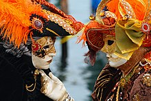 https://upload.wikimedia.org/wikipedia/commons/thumb/c/ca/Venice_Carnival_-_Masked_Lovers_%282010%29.jpg/220px-Venice_Carnival_-_Masked_Lovers_%282010%29.jpg