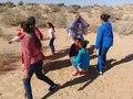 Fichier:Vidéo - Les filles en forme de cercle et chantent.webm