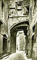 Viviers-sur-Rhône Rue de la République Vieilles maisons.jpg