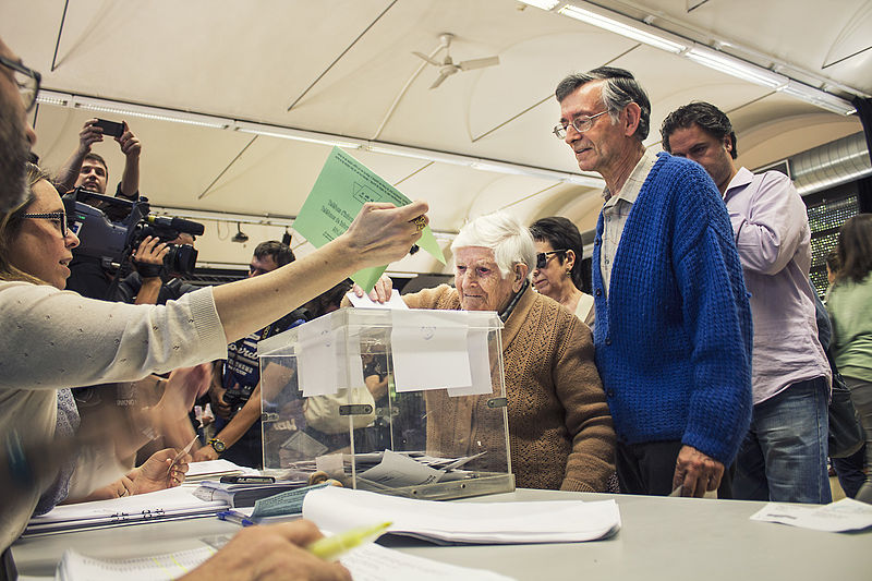 File:Votació Ada Colau (17416011214).jpg