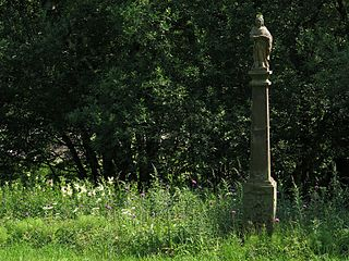 Sloup se sochou svaté Barbory