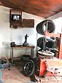 WL-Cameroun-Yaoundé-Marchand de pneus.jpg