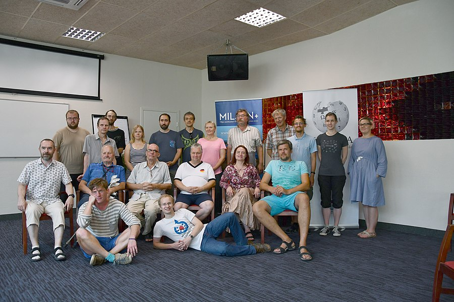 WMEE Summer Days 2019 Group Photo on Day 2 in Toila.jpg