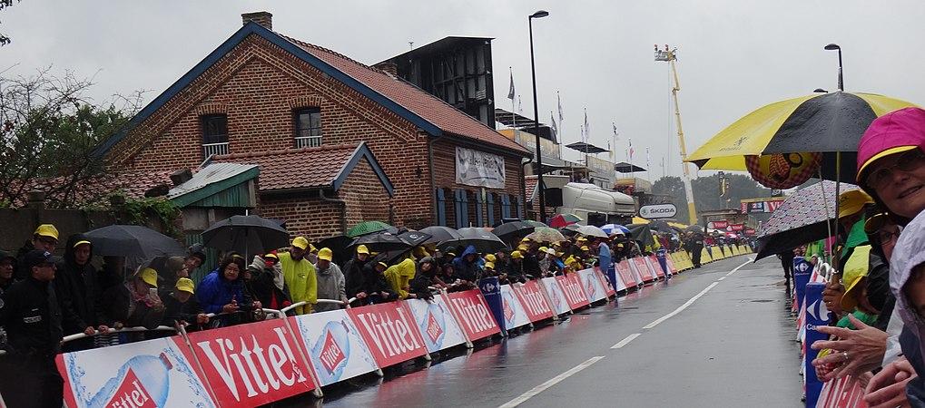Wallers - Tour de France, étape 5, 9 juillet 2014, arrivée (A45).JPG