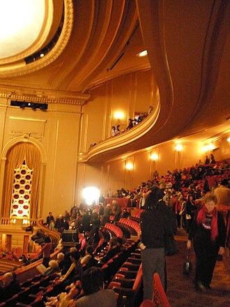 War Memorial Opera House - Image: War Memorial Opera House Director's Circle & balcony levels