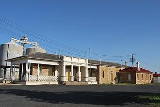 Warwick railway station, Queensland - Station front in 2008