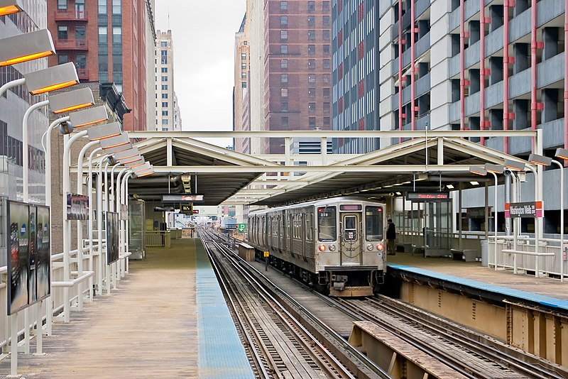 Ir do aeroporto de Chicago para o centro de metrô