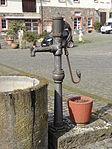 Weedstraße 16 (Utphe) Brunnen 01.JPG