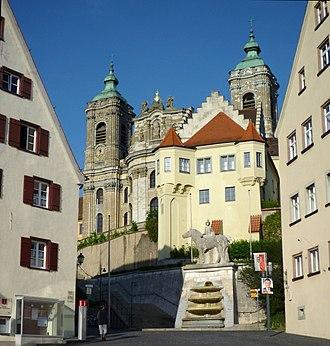 Elder House of Welf - Image: Weingarten Zugangsbereich zur Basilika St. Martin
