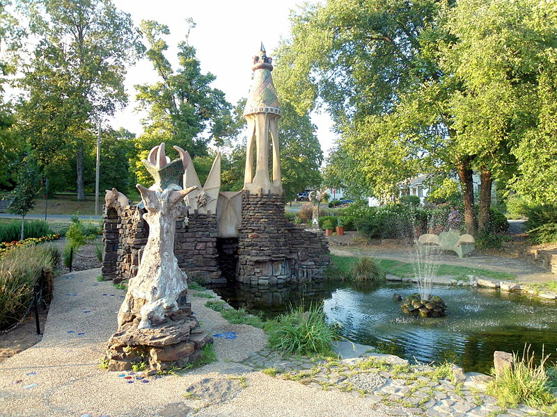 File:Wilson Park castle and fountain, Fayetteville, Arkansas.jpg