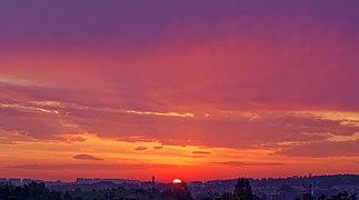 Wschód słońca w Krakowie, 20211006 0650 3113.jpg