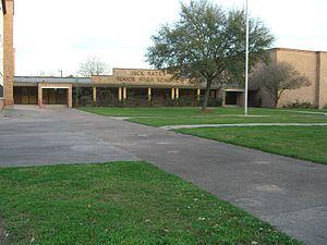 Yates High School - Image: Yates CIMG1903