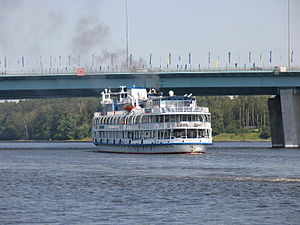 Yuriy Nikulin on Khimki Reservoir 29-jul-2012 08.JPG