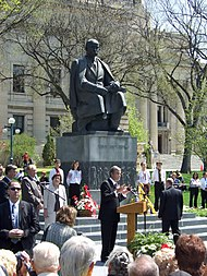 Yushchenko at Manitoba Legislature.jpg