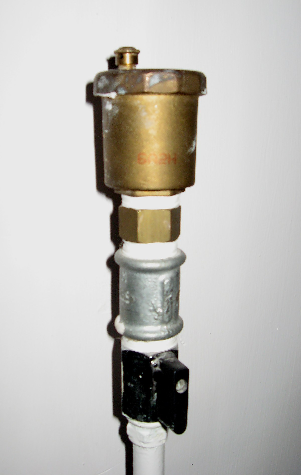 Automatic bleeding valve - Wikipedia