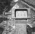 """""""Štemp"""" za """"puter"""" (maslo) iz orehovega lesa - dolg 28 cm, z ročajem (""""repom"""") 37.50 cm. Anton Kavs, Soča 1952.jpg"""